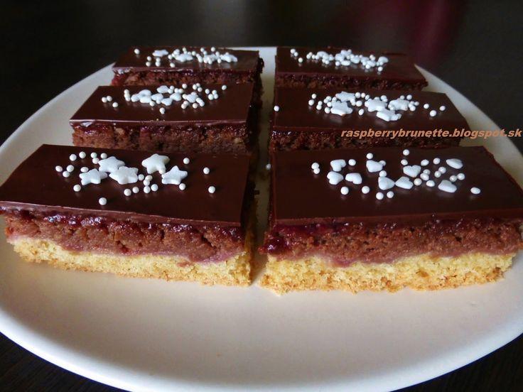 Raspberrybrunette: Orechovo-jablkový zákusok