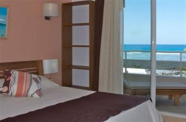 2 Bedroom Apartment in Tamarin to rent from £774 pw, with a shared swimming pool. Also with jacuzzi, balcony/terrace and TV.