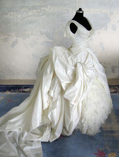 Remshardt-große Hochzeitsrobe aus Seidentaft-big weddinggown in silk taffeta
