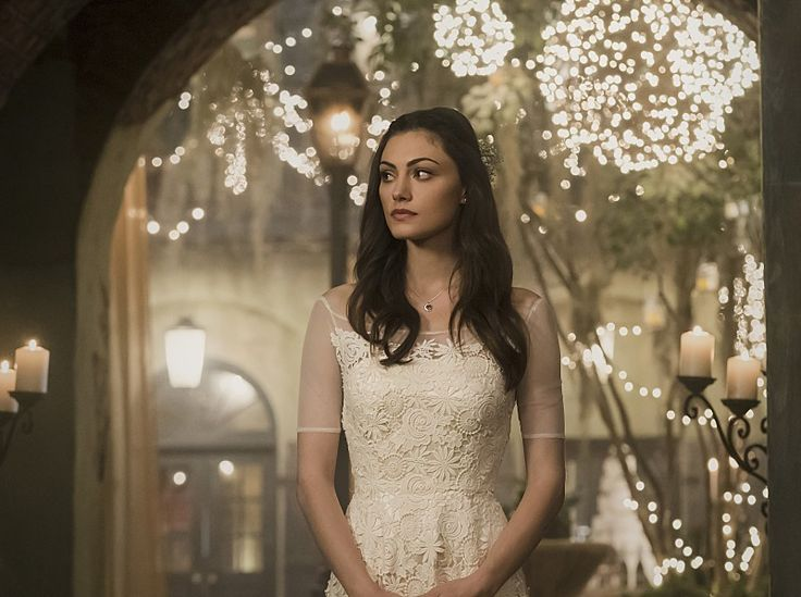 8 Reasons Why Hayley On 'The Originals' Is Actually The Greatest Julie Plec Character Of All Time
