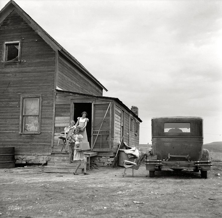 "July 1936. ""Drought area of North Dakota. Family leaving drought-stricken farm for Oregon or Washington."""