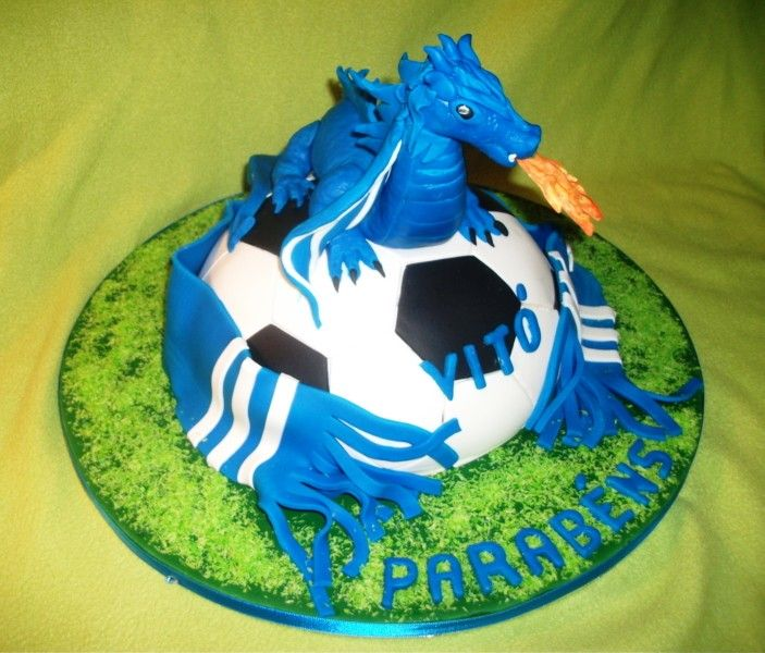Porto FC cake is so cool. It would be perfect for DH.