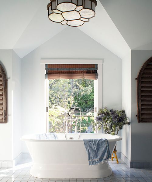 25 Best Ideas About Bright Bathrooms On Pinterest Green Small Bathrooms Colour The Small One And Beach Style Magazine Racks