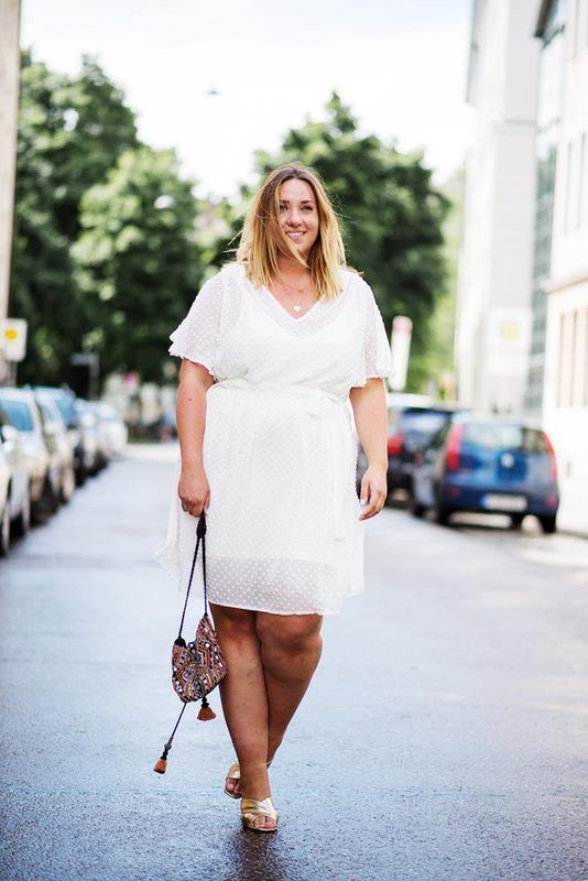 Den Große ➨ Größen Weiße Kleider Für Sommer Trendige Looks IY7bgyfv6