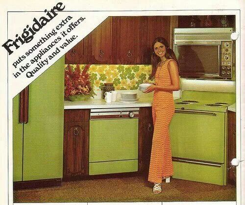 Avacado appliances frigidaire refrigerator fridge for Kitchen design 70s