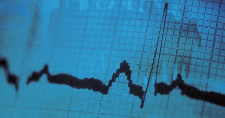 La función de paso bajo en MATLAB. MATLAB es un paquete de análisis líder en procesamiento digital de señales y otras variedades de análisis técnico. El procesamiento de la señales se basa en que cualquier señal de datos arbitraria se compone de la suma de muchas señales de diferentes frecuencias. A menudo, las señales procedentes de diferentes fuentes, o ruido, tendrán diferentes ...