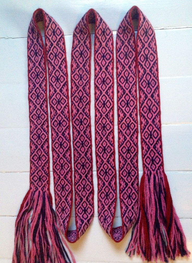 Tablet weaving. Pattern inspired by Masku Humikkala grave 31.