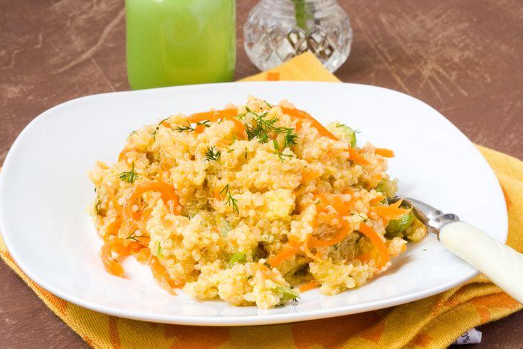 Préparation : 1. Faites cuire le quinoa selon les instructions du paquet. Rincez puis égouttez-le. 2. Coupez les figues en dés. Mélangez l'huile, le citron, salez et poivrez. Epluchez les car…