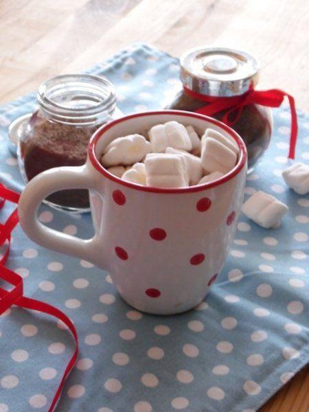 Olyan jó a hideg estéken egy finom forró csokoládéval bebújni a takaró alá és nézni egy jó kis...