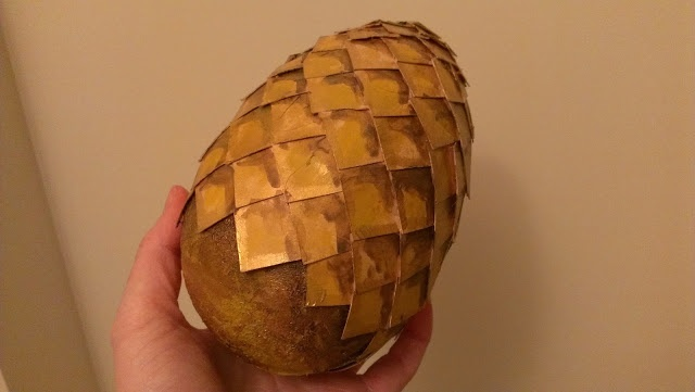 DIY easter egg (with healthy candy) in the shape of a dragon egg from Game of Thrones