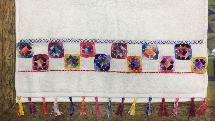 Elaborado por Guela Mainieri  Toalla en crochet