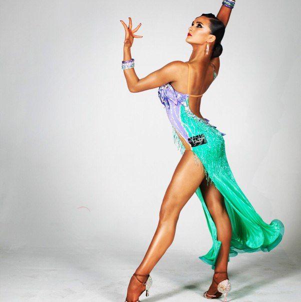 фото танцовщиц бальных танцев время работы