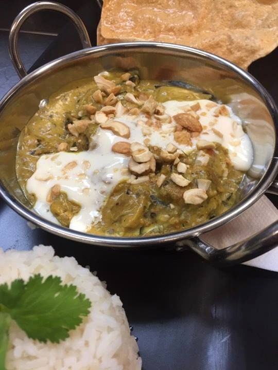 Don't get a boring sandwich for lunch!   Try Foodspace's Roasted Curry Eggplant & Rice! Cooked in a spiced coconut cream base sauce, served with toasted cashews, coriander, greek yogurt & poppadums....!