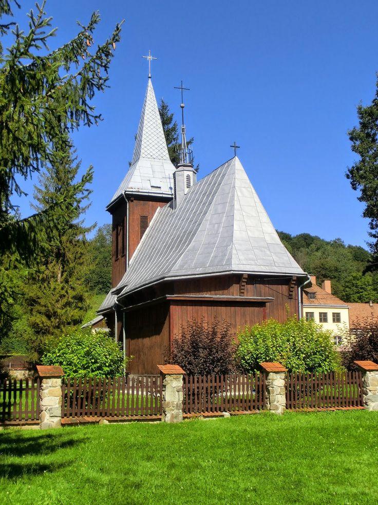 WWW Wiersze Wycieczki Wspomnienia: Cerkwie prawosławna i grekokatolicka i kościół rzymskokatolicki w Komańczy