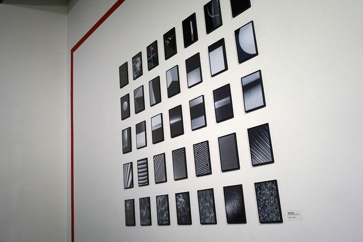 """Yuri Toma Proyecto """"Enantiodomia"""" en la #ParedRojaDeLaFábrica  La Fábrica #LaFábrica #Madrid #Arte #Art #ContemporaryArt #Fotografía #Photography #Arterecord 2016 https://twitter.com/arterecord"""