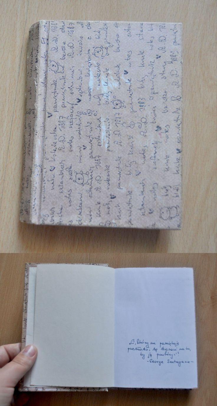 notes notatnik zrobiony z książki