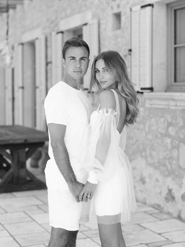 Mario Gotzes Hochzeit Mit Ann Kathrin Sehen Sie Die Exklusiven Fotos Bei Vogue Mario Vogue Hochzeit