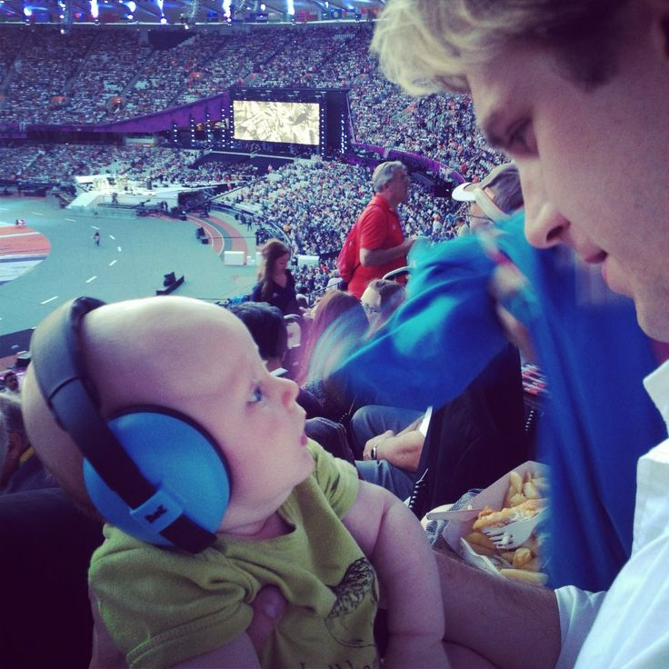 Dan Stevens and his son at the Olympics