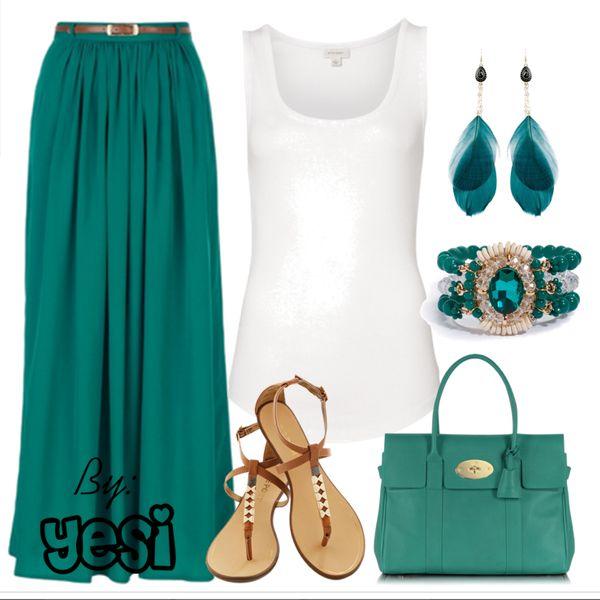 Verde obscuro en falda larga con camiseta ideal para verano. 113