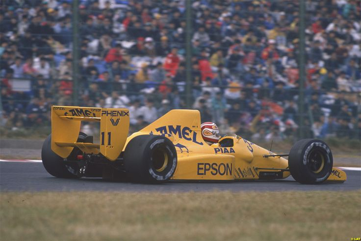Nelson Piquet in the Lotus 101 in the Japanese Grand Prix of 1989.