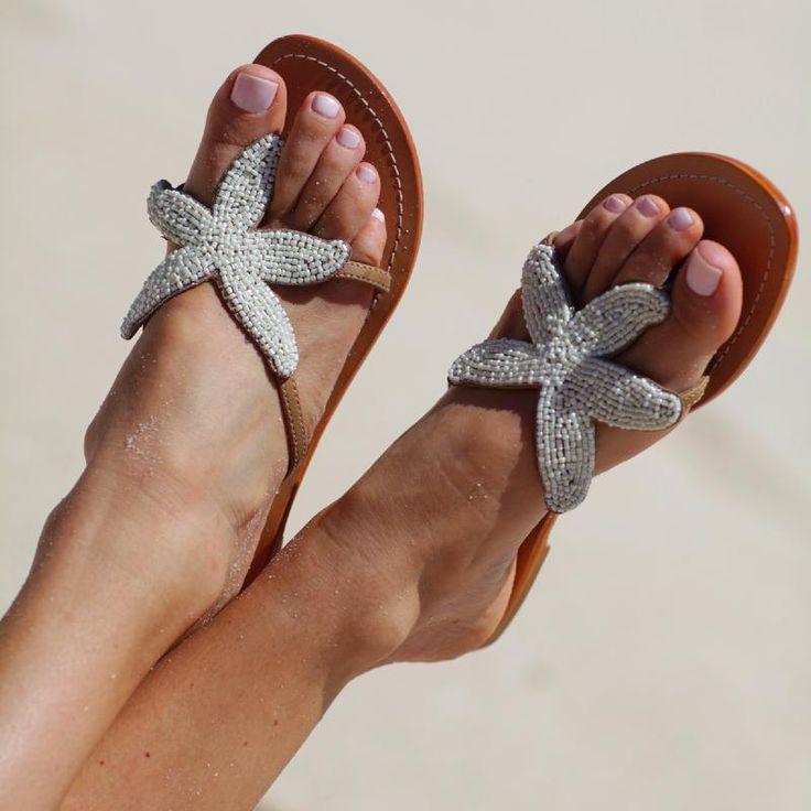 Nus-pieds en cuir perlés à la main en Inde. Création Aspiga par Le Bazaristan