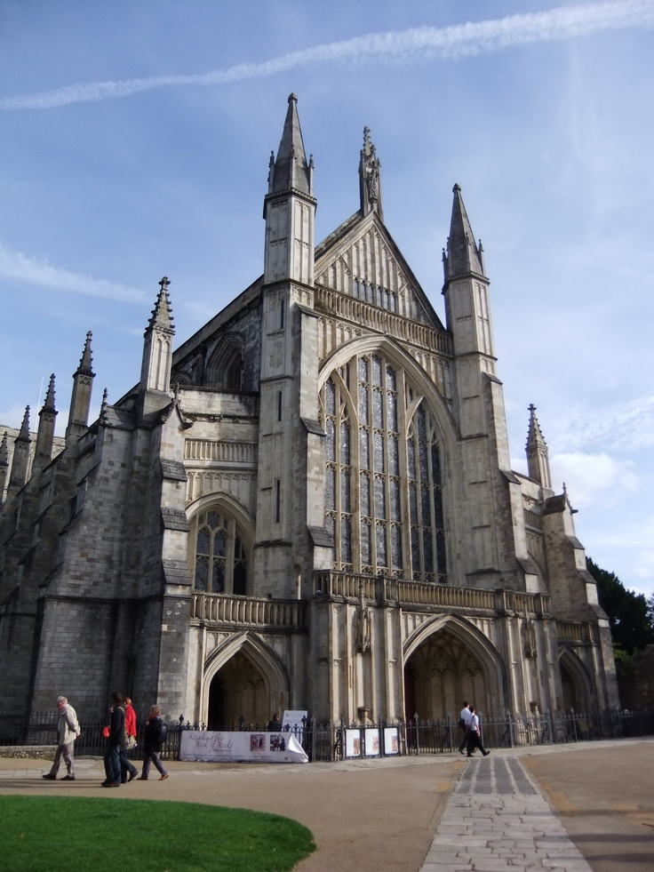 14 best british for a week 2016 4bl day 1 images on pinterest british 1 and the o 39 jays - Round table winchester cathedral ...