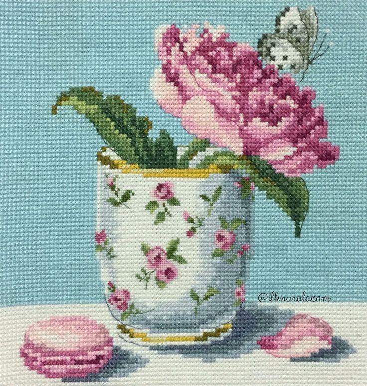 Cross stitch rose / Veronique Enginger