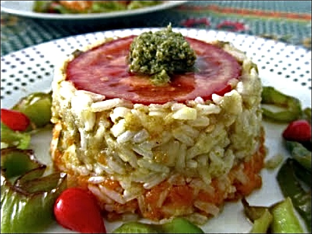 Timbalitos de arroz frío con puré de verduras  http://www.culturamas.es/ocio/2012/06/10/timbalitos-de-arroz-frio-con-pure-de-verduras/