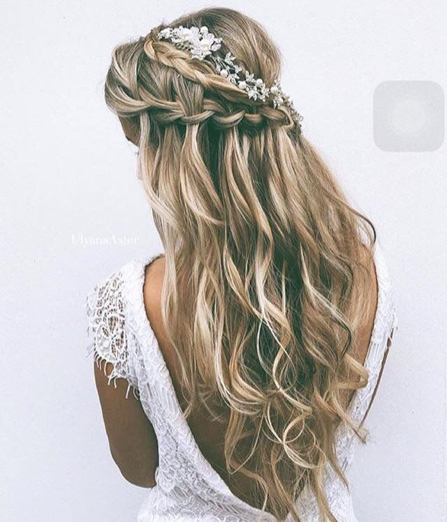 Totally loving this soft weave bridal half up-do style with braids - perfect for relaxed romantic weddings