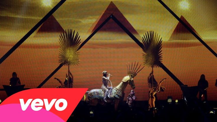 "#Music Katy Perry - Dark Horse - From ""The Prismatic World Tour Live"""