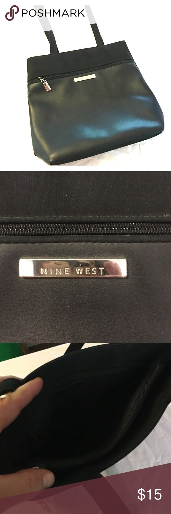 Nine West purse Nine West purse, great condition, zipper closure in center with two open pockets also Nine West Bags