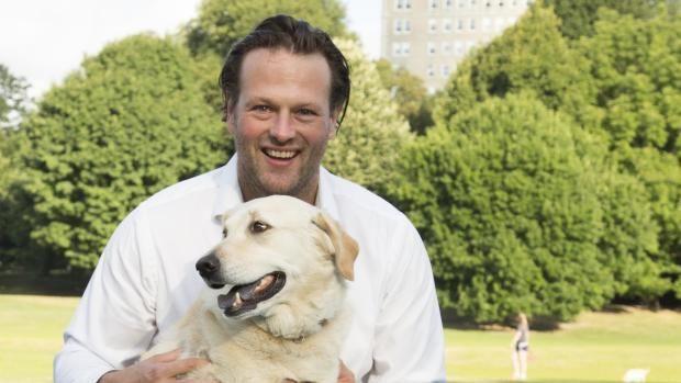 Dansker rejser 400 millioner kroner til websitet Barkbox for familier med hund.