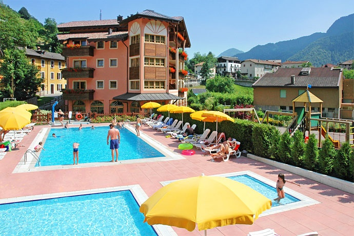 Family Hotel Adriana - Ledro ... Garda Lake, Lago di Garda, Gardasee, Lake Garda, Lac de Garde, Gardameer, Gardasøen, Jezioro Garda, Gardské Jezero, אגם גארדה, Озеро Гарда ... Family Hotel Adriana, which is situated in the Ledro Valley and surrounded by nature, is only a few kilometres away from the village of Ledro and 15 km from Riva del Garda. There, one lives in the middle of unspoilt nature and breathes in clean and fresh air. The unique mountain scen