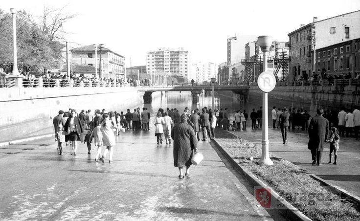 Paso a nivel de Delicias 1969 | por GAZA - Gran Archivo Zaragoza Antigua