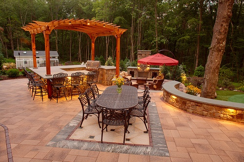 Outdoor kitchen, pergola and dining area by Neave Group (Wappingers Falls, New York) http://www.neavegroup.com