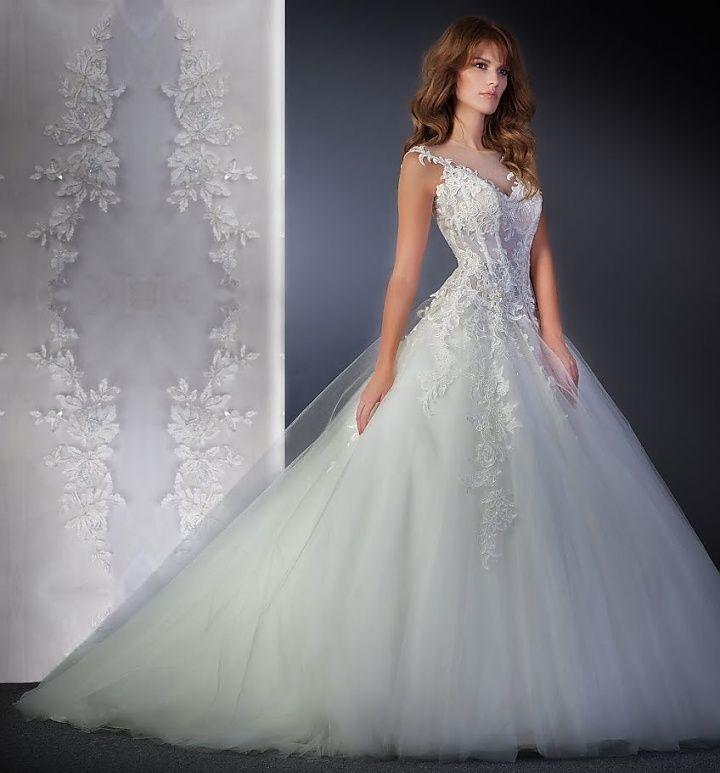 Agora 16-13, collectie 2016 nb. Klassiek en prachtvol deze elegante trouwjurk in prinsessenstijl. Prachtig zoals het lijfje en rok op elkaar zijn afgestemd. Door het gebruik van luxueuze materialen en een perfecte toepassing hiervan, zorgt dit er voor dat de jurk een zeer eigentijdse uitstraling krijgt. #klassiek #tule #schouderbandjes #agora #koonings