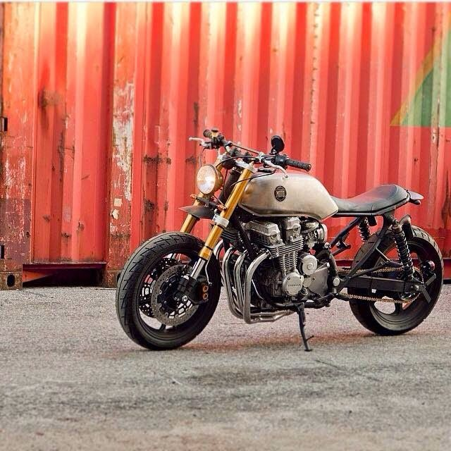HONDA CB750 NIGHTHAWK - CLASSIFIED MOTO - OTTONERO