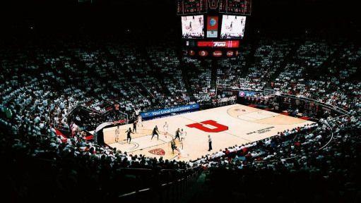 Utah gegen Oregon. #architektur #utah #uofu # pac12 #basketball #vsco   – Basketball