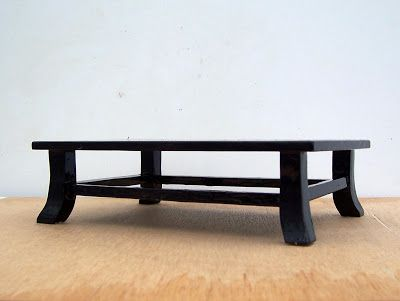 Wonderful MiKo Bonsai: Two More Display Tables