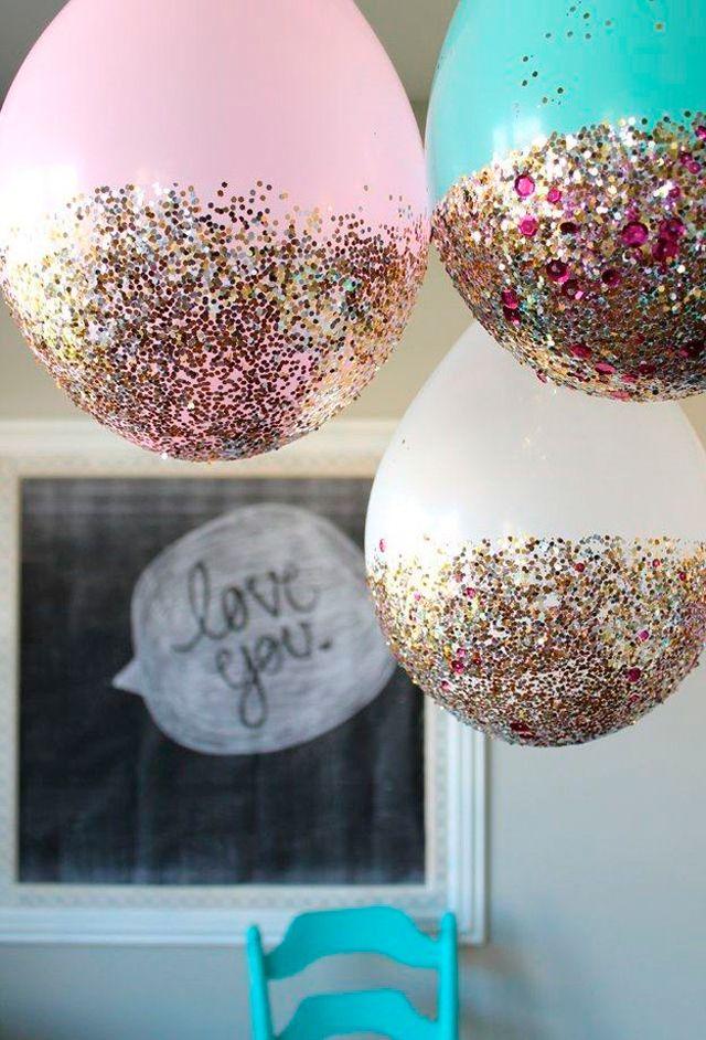 Los globos con purpurina son otra opción para decorar una fiesta