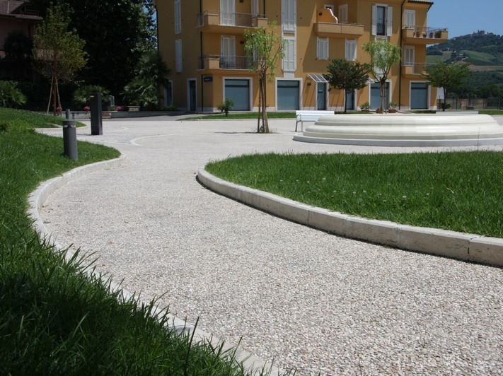 Pavimento exterior de hormigón efecto piedra CHROMOSTONE® - Stone International