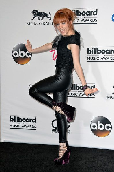 Lindsey at Billboard music awards. Lol she's goofing around on the red carpet only Lindsey…