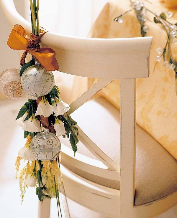 Ideas para decorar las sillas estas fiestas navideñas.