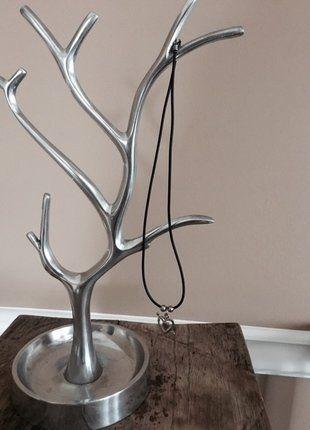 Kup mój przedmiot na #vintedpl http://www.vinted.pl/akcesoria/bizuteria/15485603-naszyjnik-serduszko-na-czarnym-gumowym-sznurku-hm