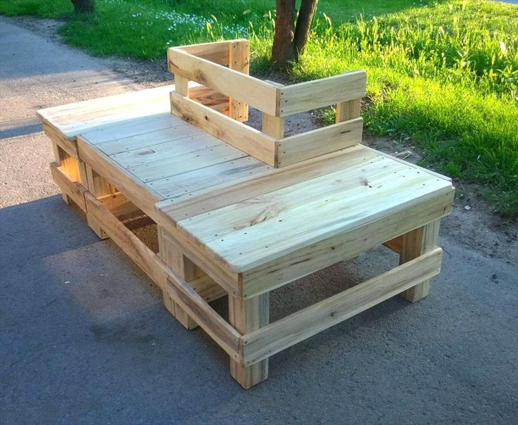 Around the Tree Pallet Bench | 99 Pallets
