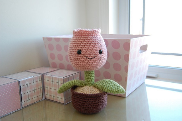 Amigurumi Fire Flower : 14 best images about Flower 2 on Pinterest Toys, Tulip ...