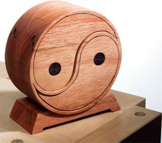 Ah! E se falando em madeira...: Caixinha corte serra de fita