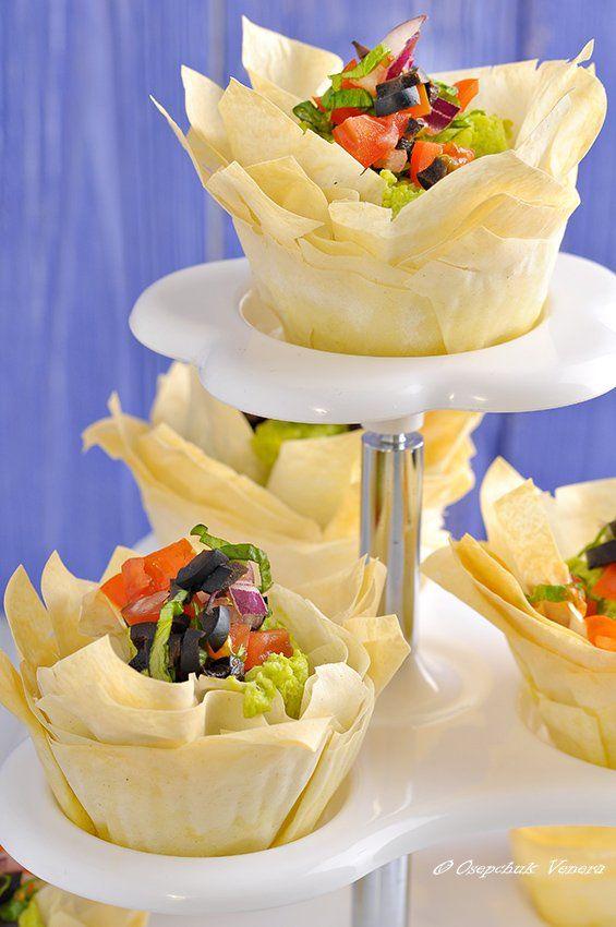 prajiturele rapide cu crema de avocado si salsa de măsline - pauză delicios