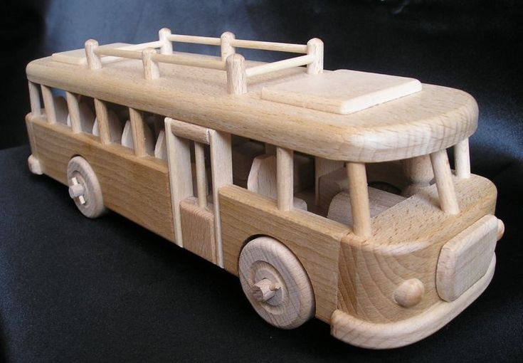 Autobus ŠKODA, hračky ze dřeva
