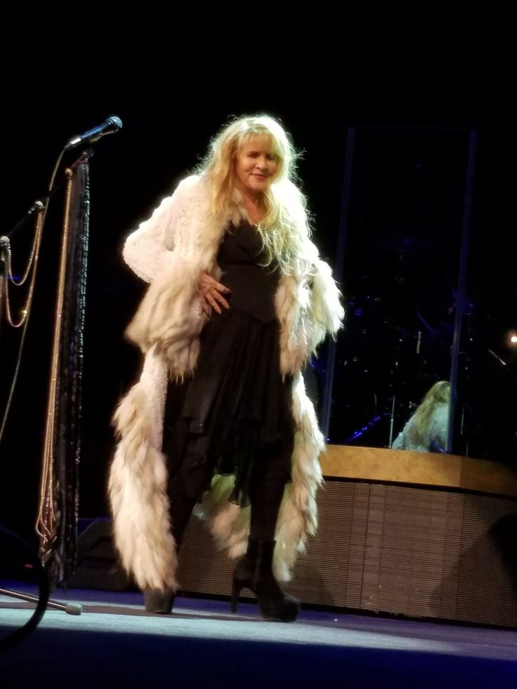 Stevie ~ ☆♥❤♥☆ ~ onstage wearing her now-iconic fake fur coat during her '24 Karat Gold' Tour, 2016